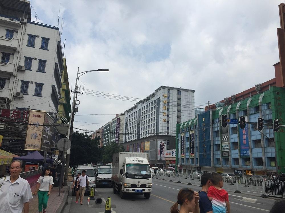 広州ツアーメルマガ_2 市場2