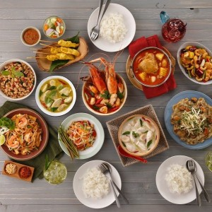 Thai-Food-Signature-dishes-on-table-600x603